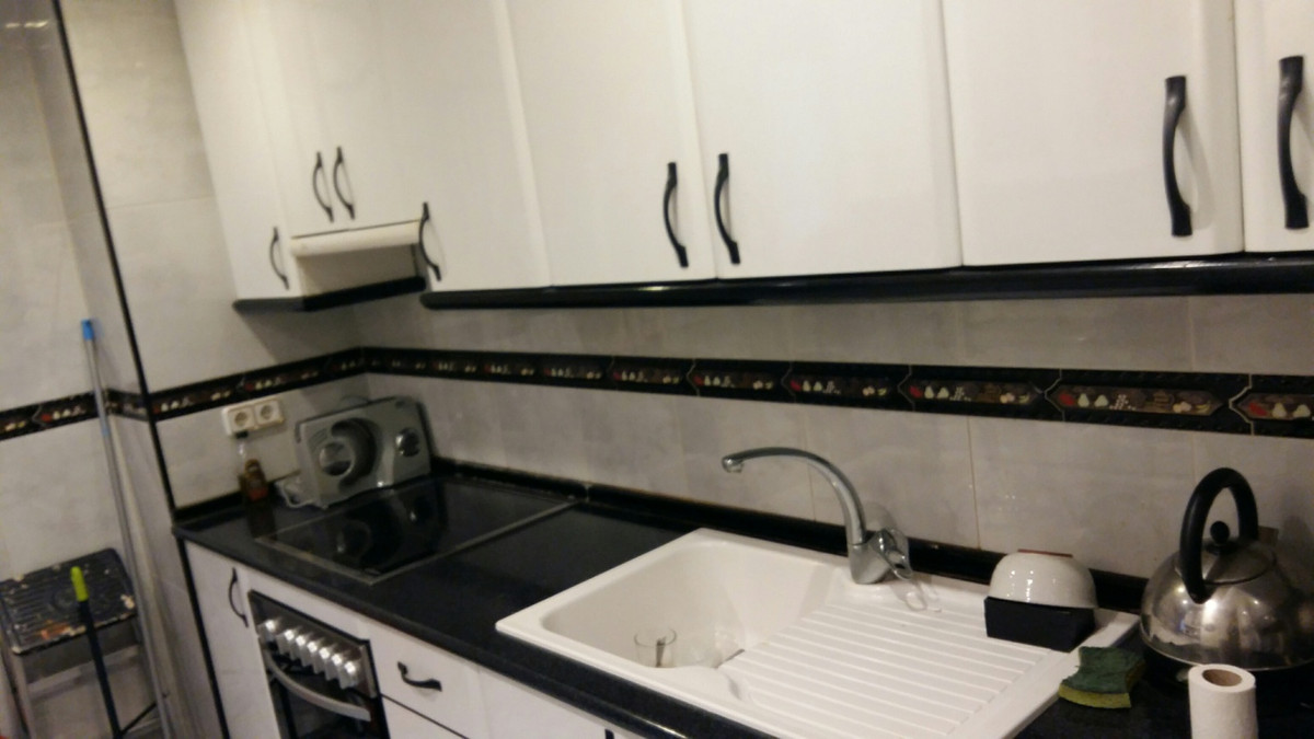 Apartamento Planta Media  en venta en  San Pedro de Alcántara, Costa del Sol – R2875334