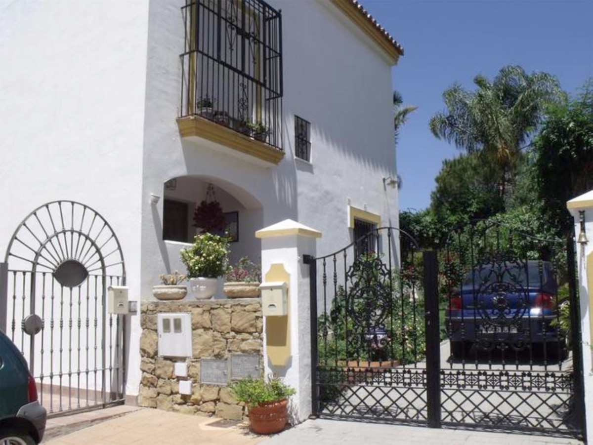 Ref:R3540133 Townhouse For Sale in Estepona
