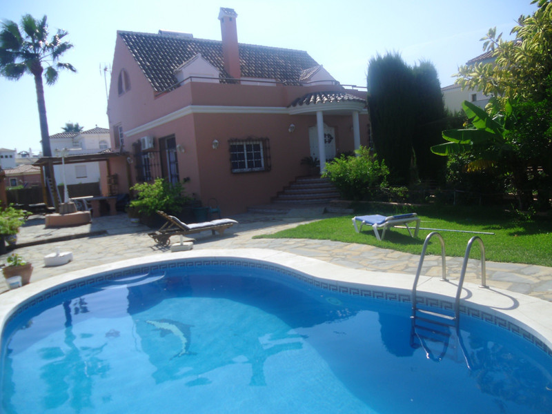 Sabinillas Villas 8