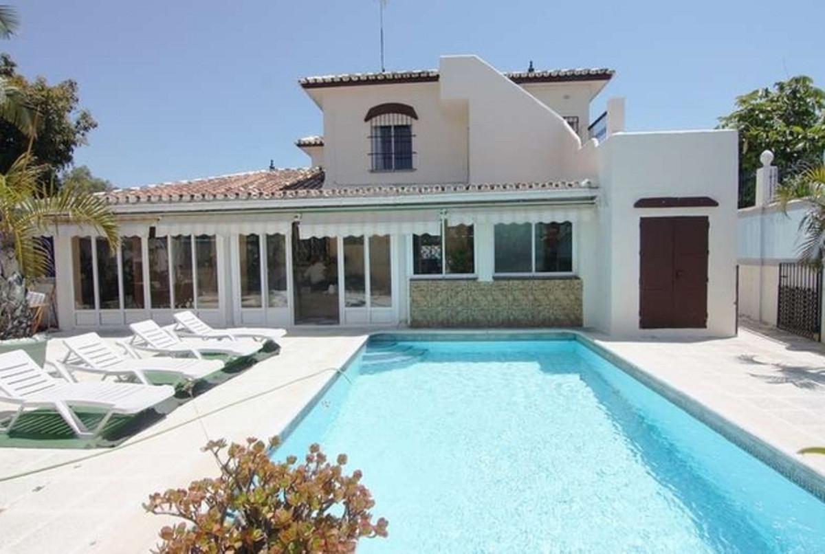 Marbella Banus Villa – Chalet en Venta en Marbella – R3480289