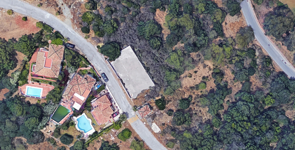 Magnificent building plot of 1120 sqm with paved road to the entrance, incredible panoramic views an,Spain