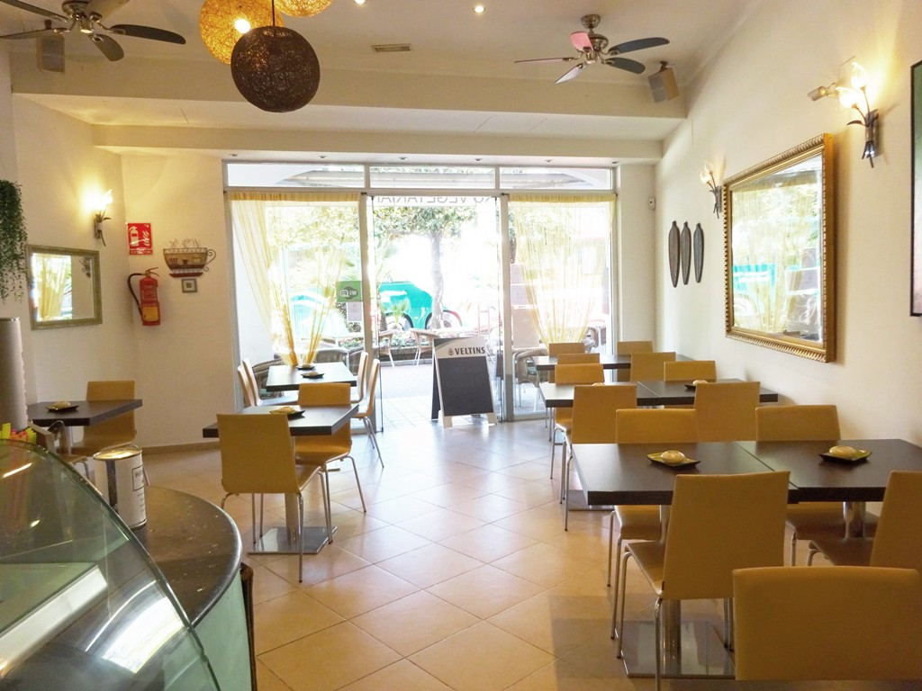 Restaurant, Estepona, Costa del Sol. Built 90 m², Terrace 100 m².  Setting : Town, Commercial Area, , Spain
