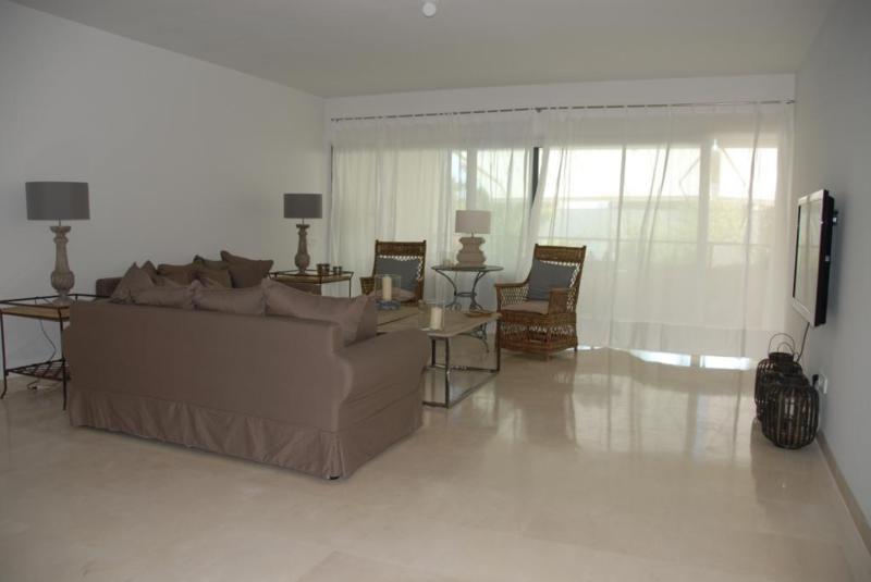 Apartamento Planta Media en venta, Sotogrande Playa – R2363960