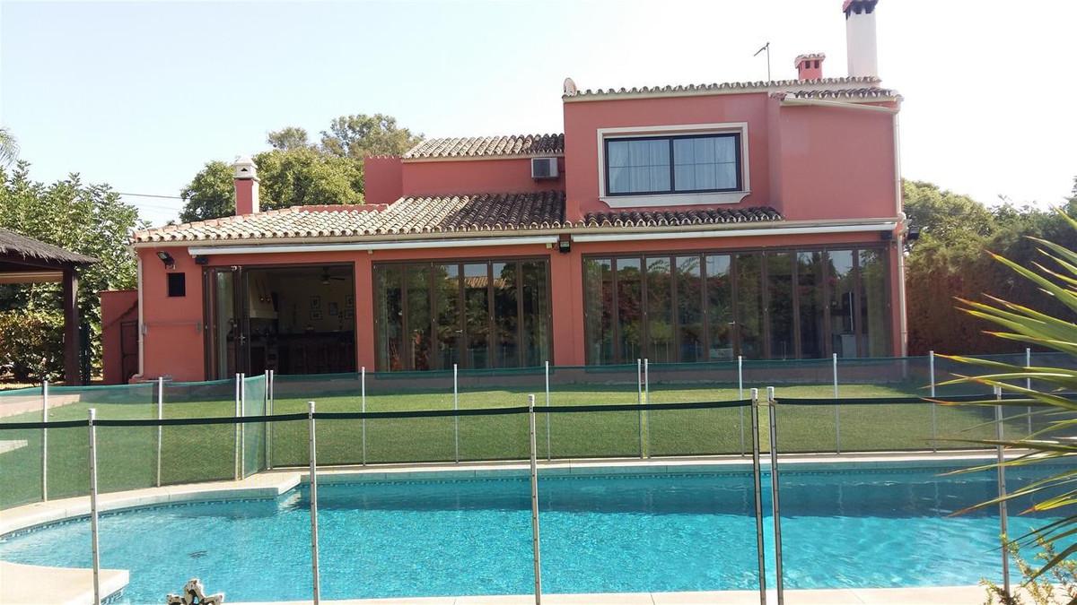 Detached Villa for sale in San Pedro de Alcántara R2770841