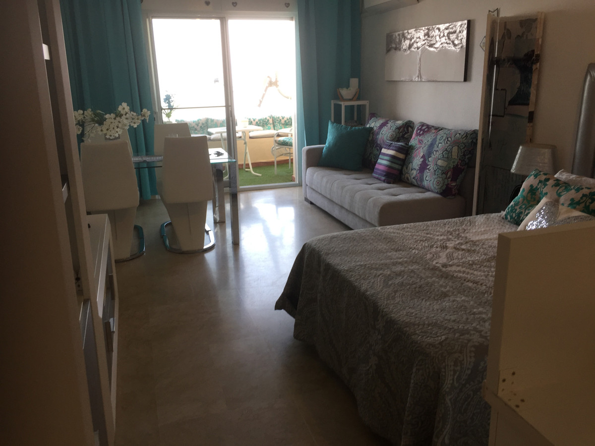 R3303451: Studio for sale in Estepona