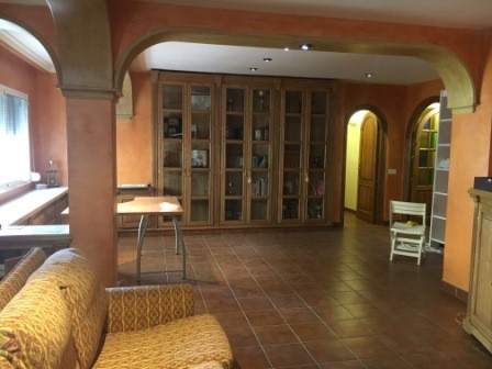 EXCELLENT FOR THOSE WHO HAVE PREFERENCE OF LIVING IN THE ESTEPONA CENTRE, CLOSE TO RESTAURANTS, BARS, Spain