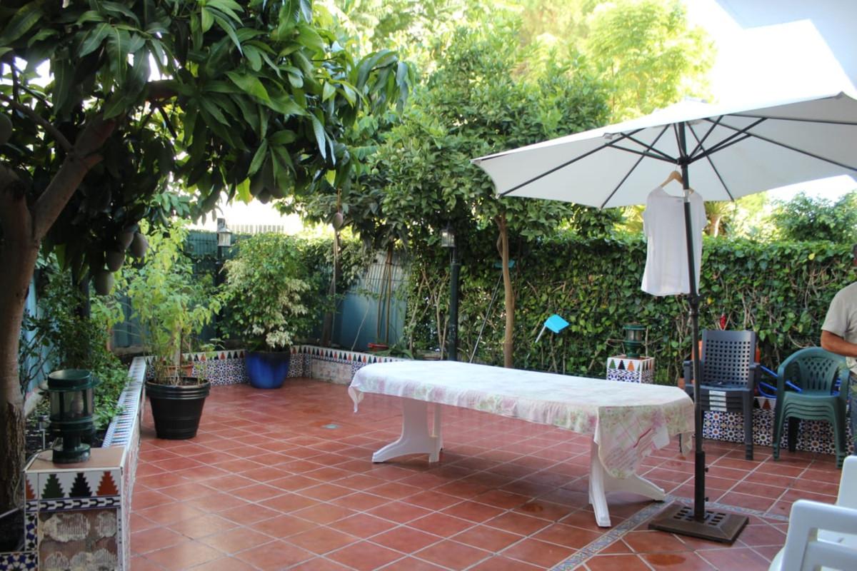 Maison Jumelée  Mitoyenne en vente   à El Padron