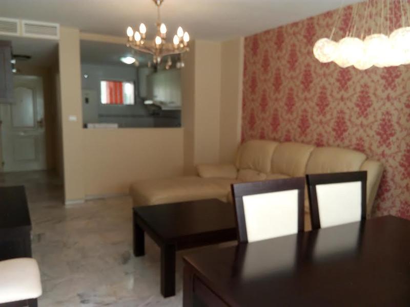 Marbella Banus Apartamento Planta Media en venta en San Luis de Sabinillas – R2652434