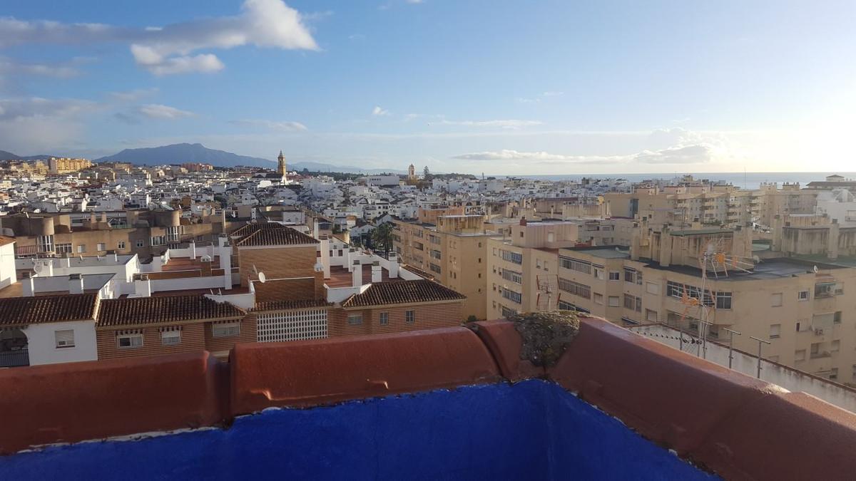 Penthouse, Estepona, Costa del Sol. 3 Bedrooms, 3 Bathrooms, Built 100 m², Terrace 78 m².  Setting :,Spain