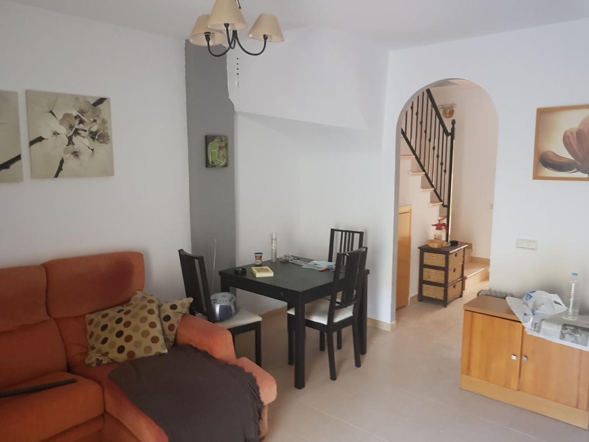 Townhouse, El Padron, Costa del Sol. 3 Bedrooms, 2 Bathrooms, Built 125 m².  Setting : Close To Shop,Spain