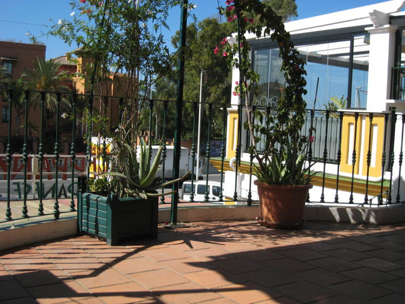 PROPERTY OF FULL DOMAIN - For sale excellent property and catering business of 180 square meters dis,Spain