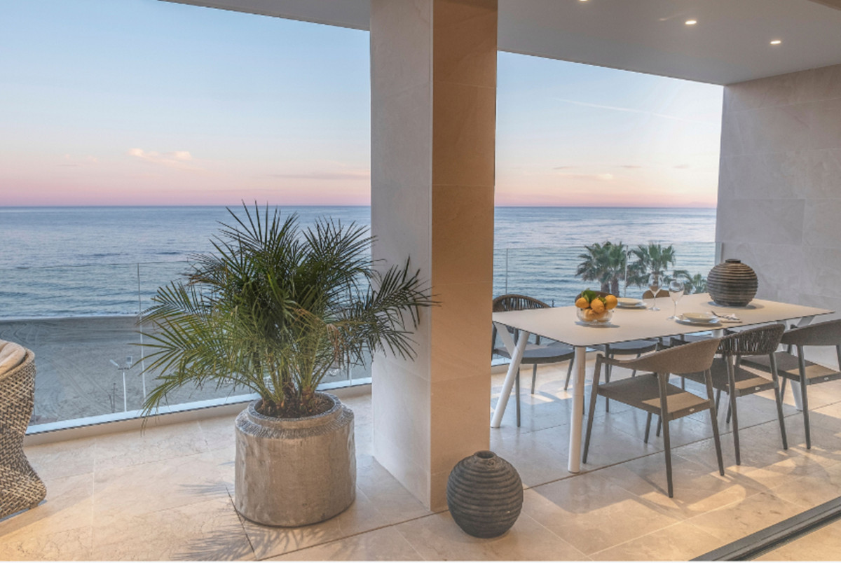 Luxury first line beach apartment located in the center of Estepona and dominating the views of the , Spain