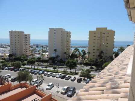 APARTMENT VERY CLOSE TO  ESTEPONA PORT. LOCATED IN A VERY NICE AREA OF ESTEPONA SEA VIEWS.  WALKING , Spain