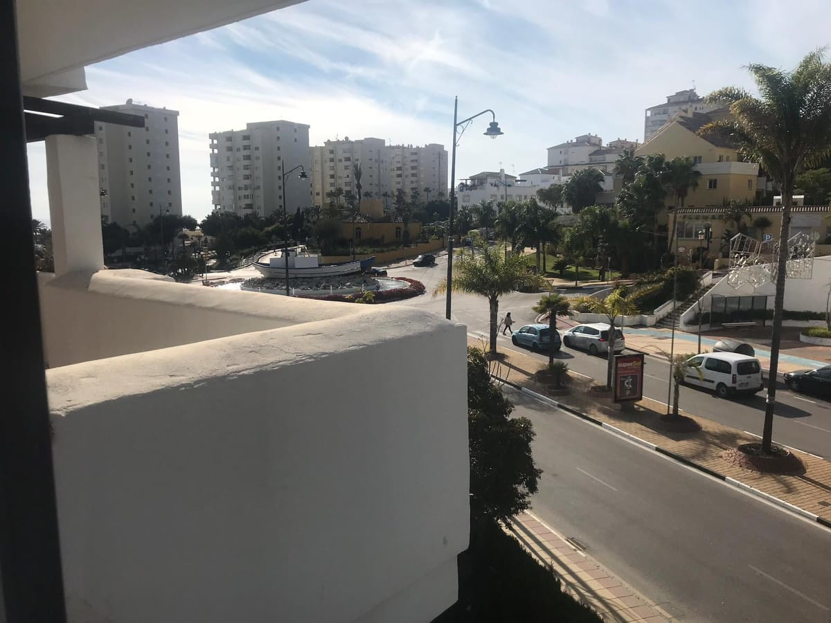 Apartment, Middle Floor  for sale    en Estepona