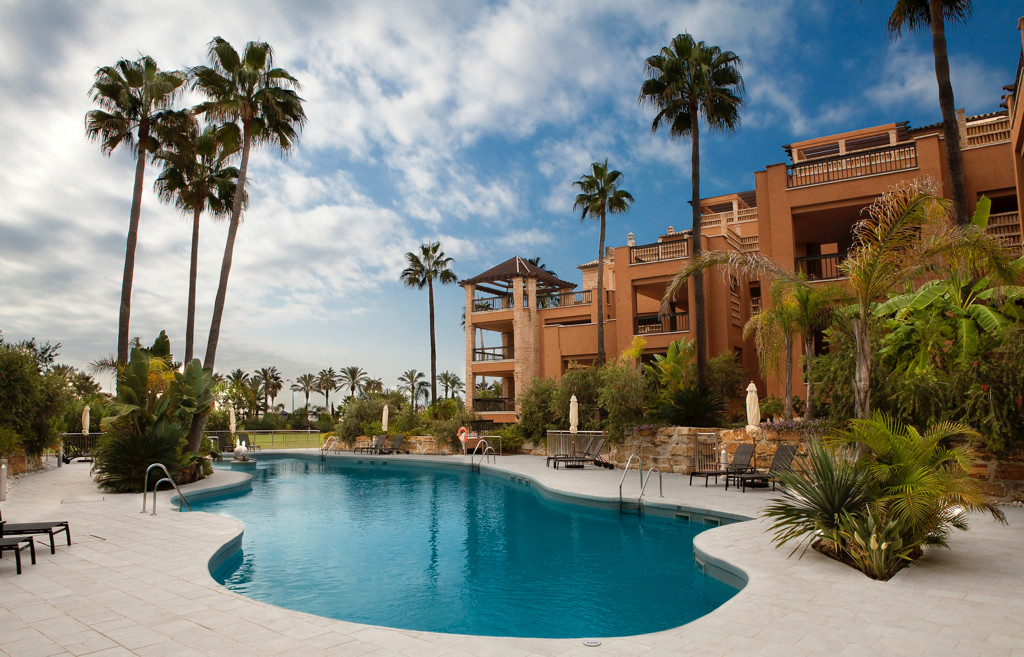 LUXURY GROUND FLOOR ON THE EDGE OF THE BEACH WITH BEAUTIFUL SEAVIEWS.  At 5 minutes from Puerto Banu,Spain