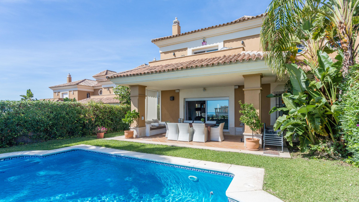 Immaculate Mediterranean villa with breathtaking views over the Santa Clara golf course and Mediterr, Spain