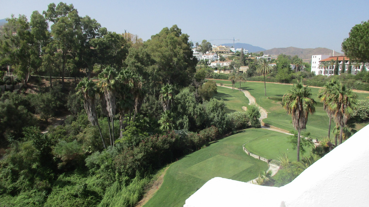 A lovely 2 bedroom townhouse located front line La Quinta Golf  Refurbished and ready to move into t,Spain