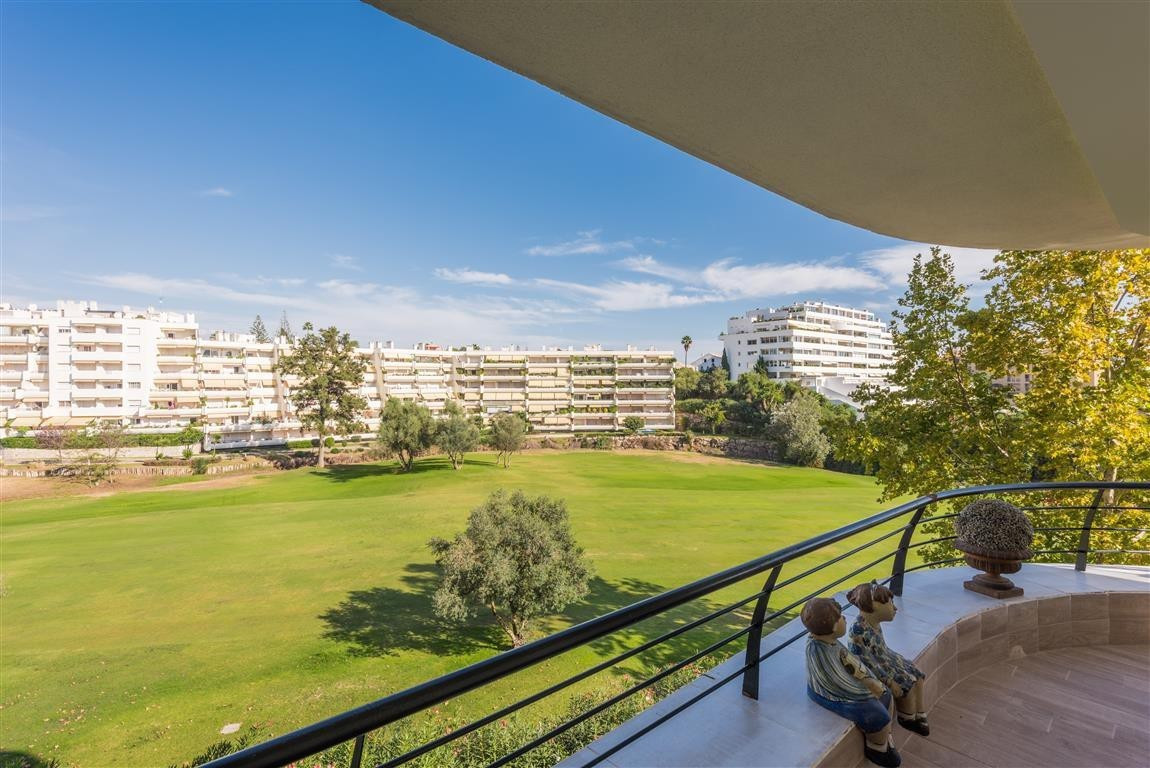 Superb Apartment in Guadalmina within a frontline golf complex, located within walking distance to s,Spain