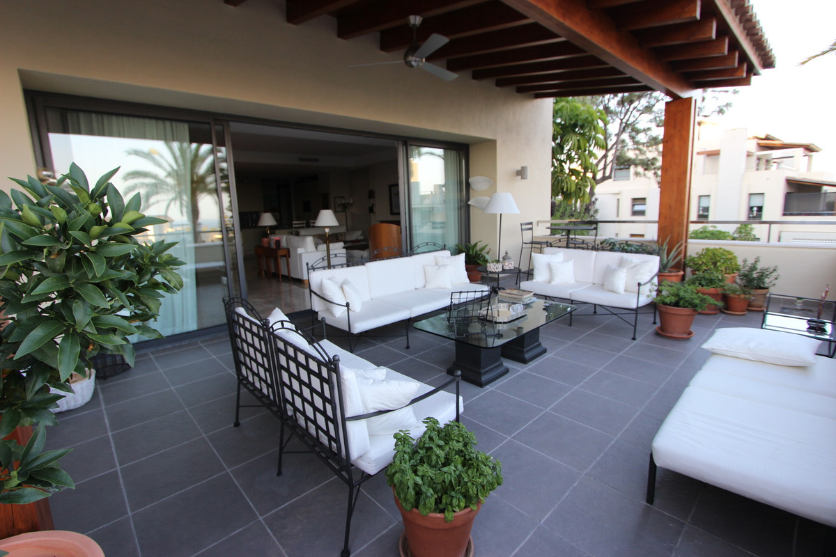Lovely middle floor apartment in the contemporary urbanization of IMARA, in the heart of Sierra BlanSpain