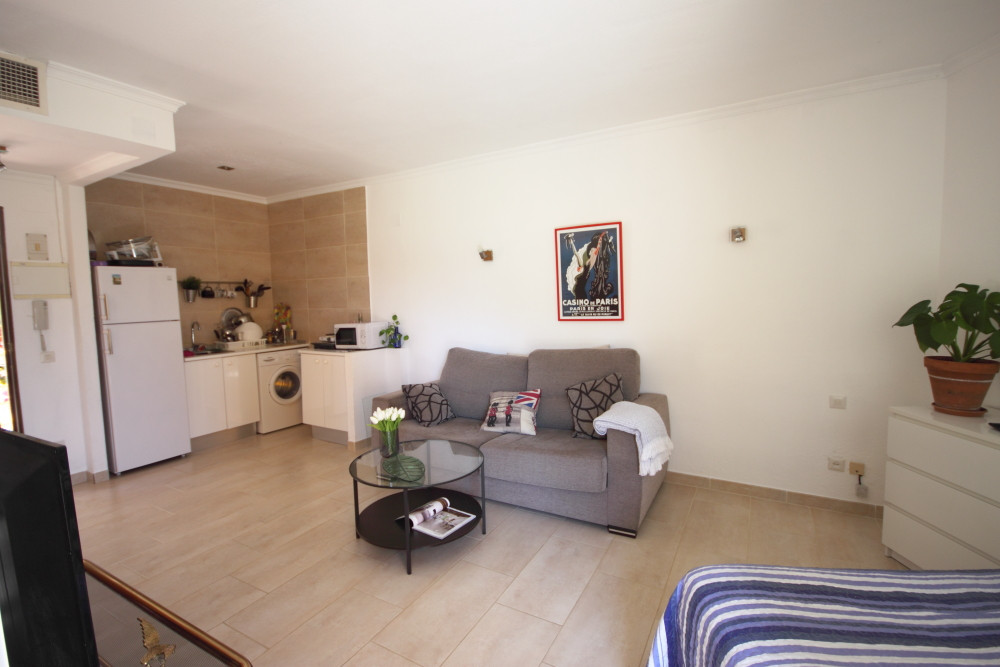 Great opportunity to acquire a well located studio apartment.  This is a well spaced property, with , Spain