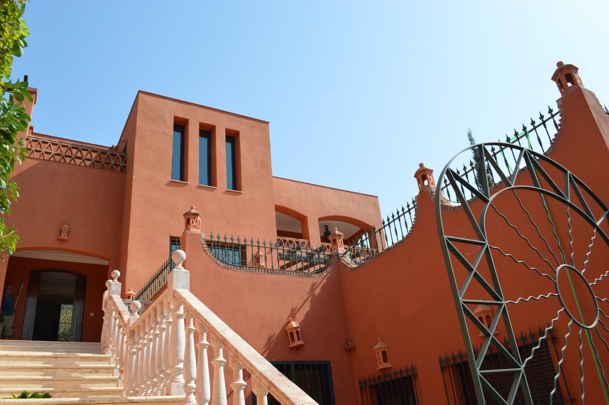 Villa for sale in Benalmadena Costa
