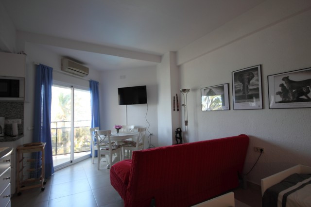 A charming studio in the complex Skol which is situated right on the sea front. The studio is on the, Spain