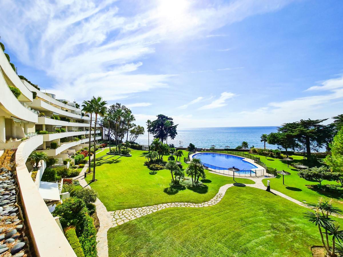 Marbella Banus Apartamento en Venta en New Golden Mile – R3731695