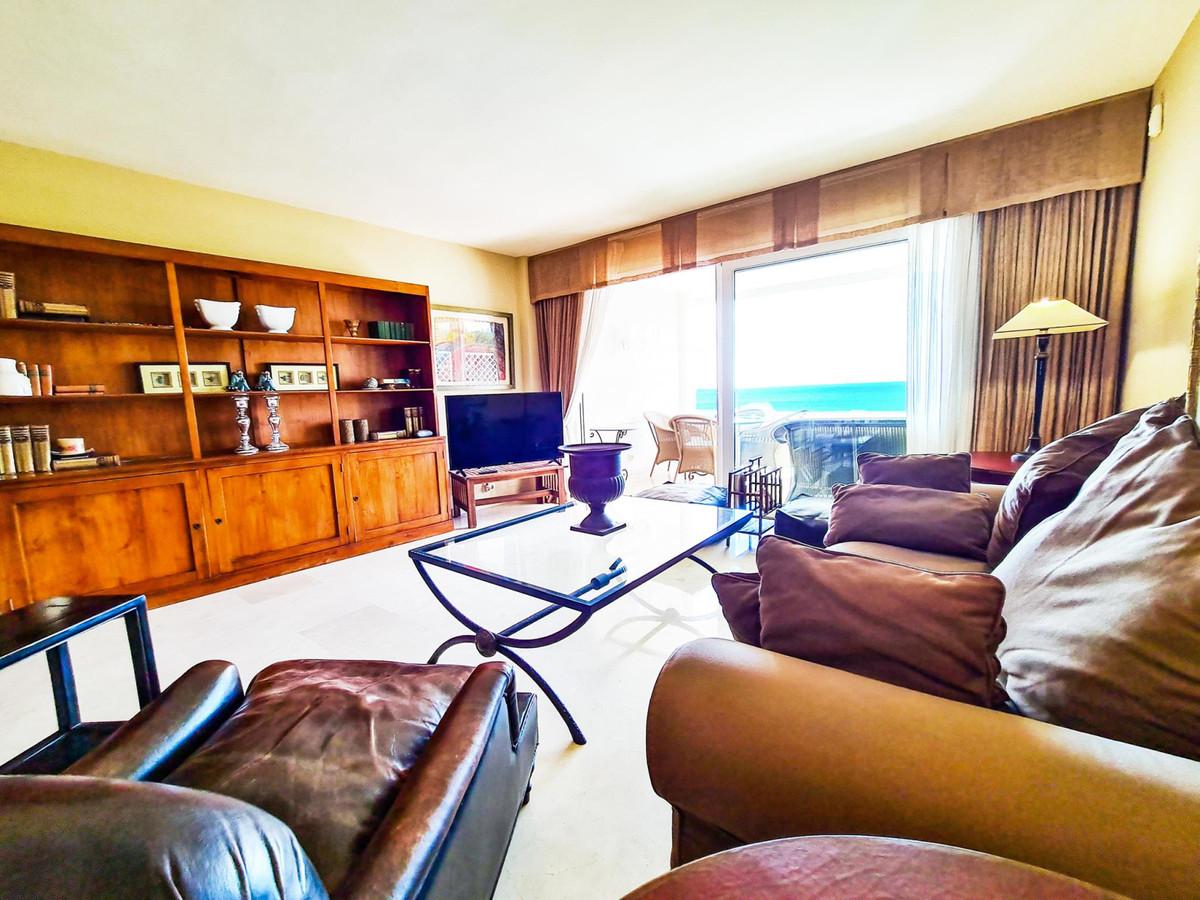 Apartamento en Venta en New Golden Mile – R3731695