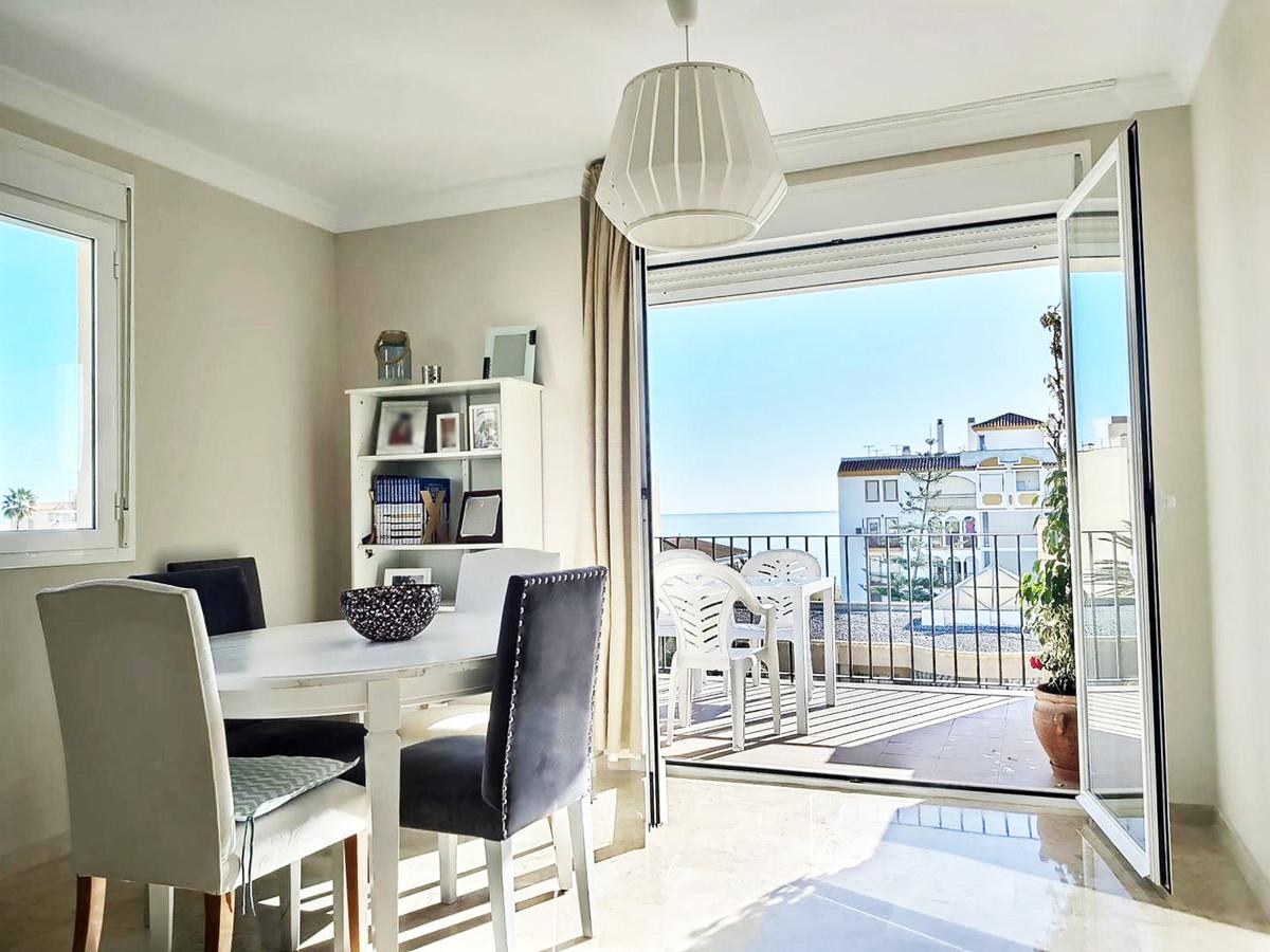 Middle Floor Apartment in San Luis de Sabinillas R3381031
