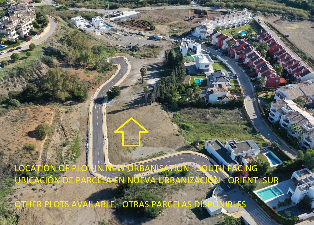 *** South-Facing Urban Plot *** 807 m2 *** Recently Finished Urbanization *** All Facilities (Drains,Spain