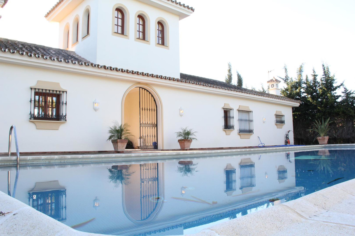 Villa  Finca 													for sale  																			 in Manilva