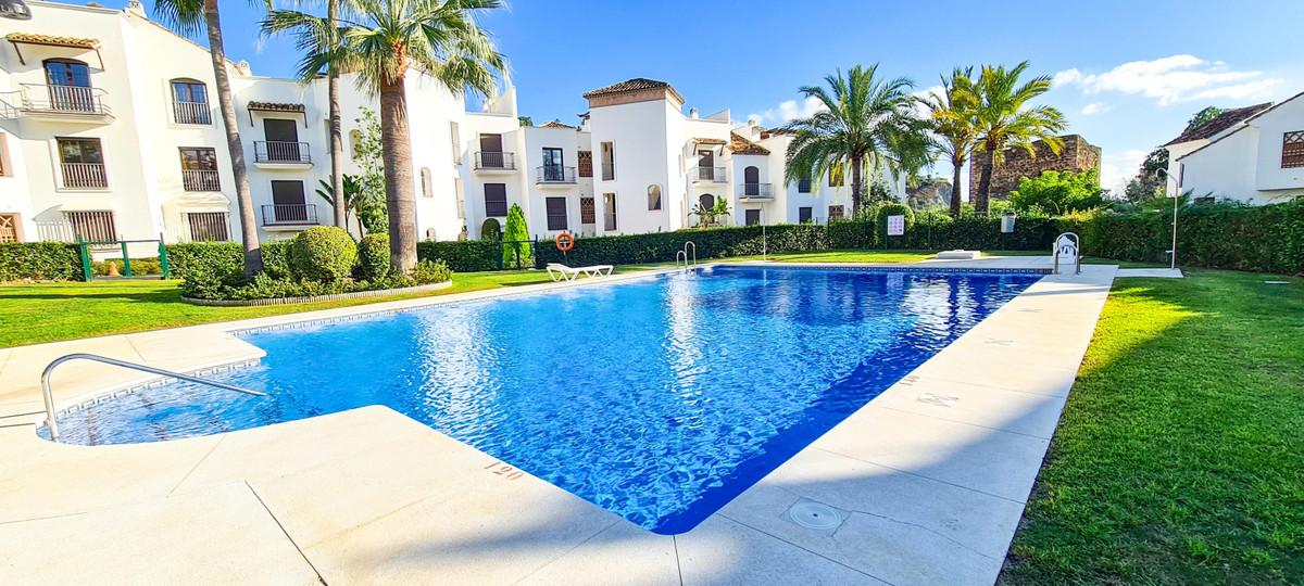 Apartamento Planta Media en Venta en Los Arqueros – R3719465