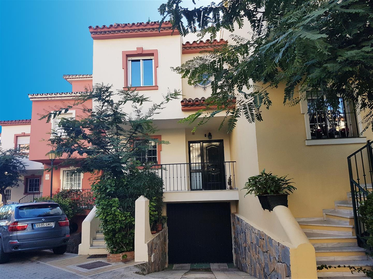 Townhouse for Sale in New Golden Mile, Estepona *** Beachfront (first line) Complex *** Walking Dist, Spain