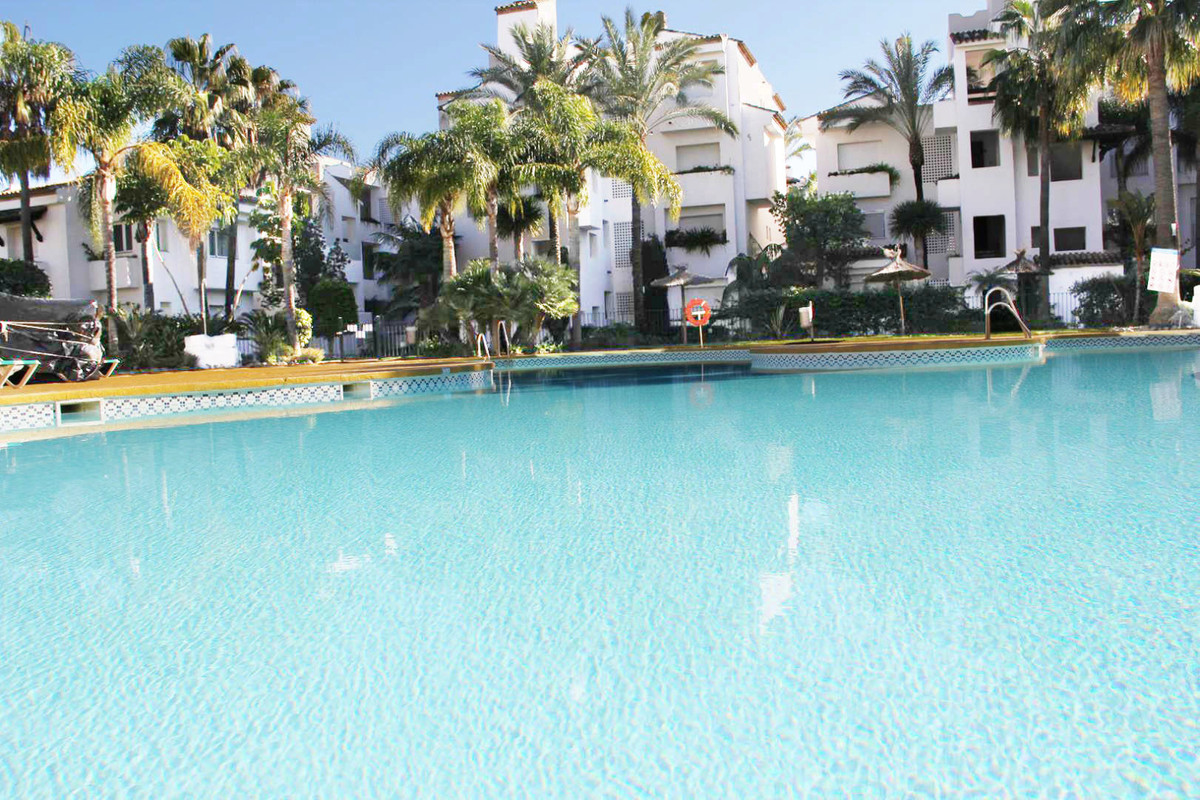 *** Top Floor Apartment in the New Golden Mile *** Reduced from 320k € to 295k €!!!! *** 2 Bedrooms , Spain