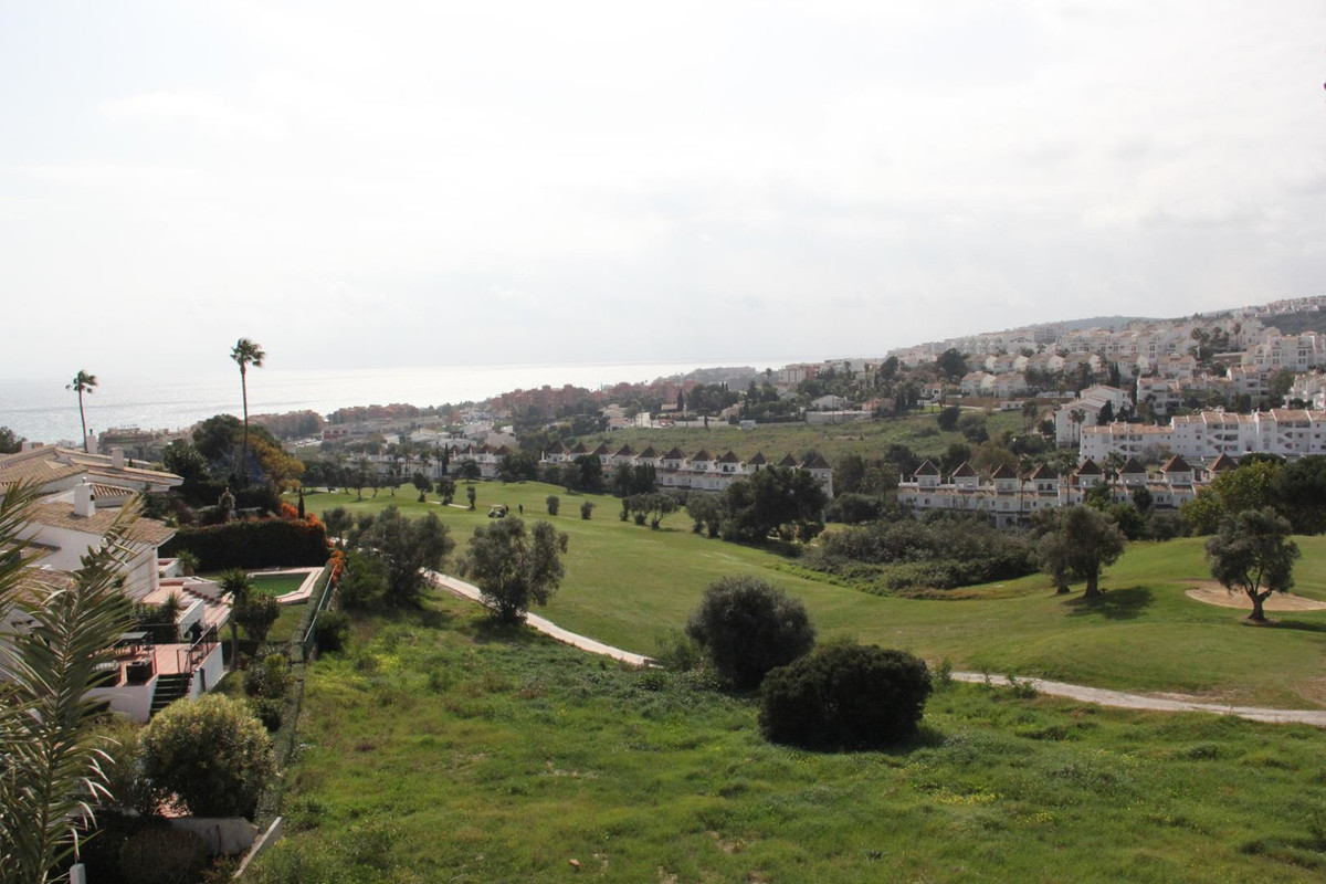 *** Stunning views over Golf and Sea***Double duplex penthouse*** 4 Bedrooms & 3.5 Bathrooms 2 W, Spain