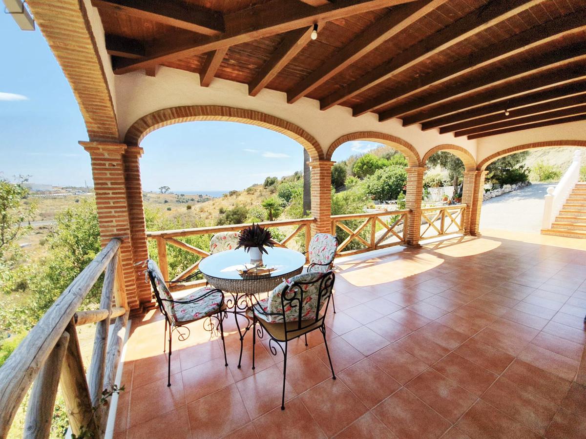 *** Spacious Finca in Estepona Close to City Centre *** 5,667 m2 plot *** Terraces and Solarium with,Spain