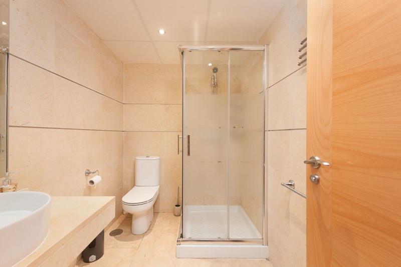 Apartamento Planta Media en venta en Selwo – R3600839