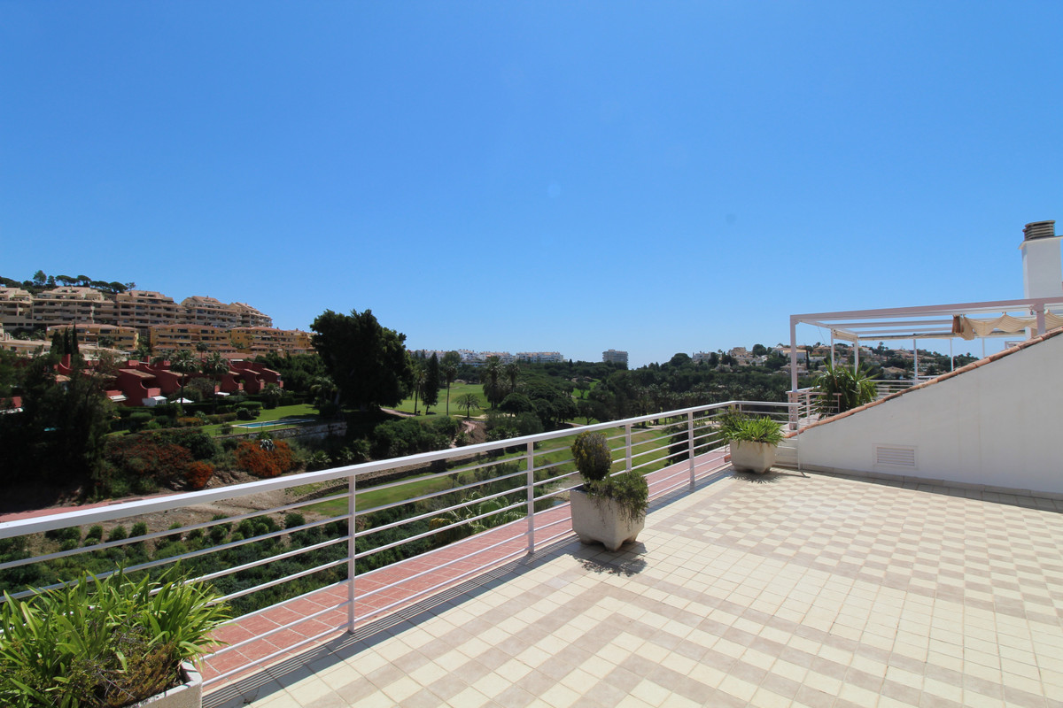 Beautiful spacious and luxury duplex penthouse in the Golf Gardens development situated frontline To,Spain