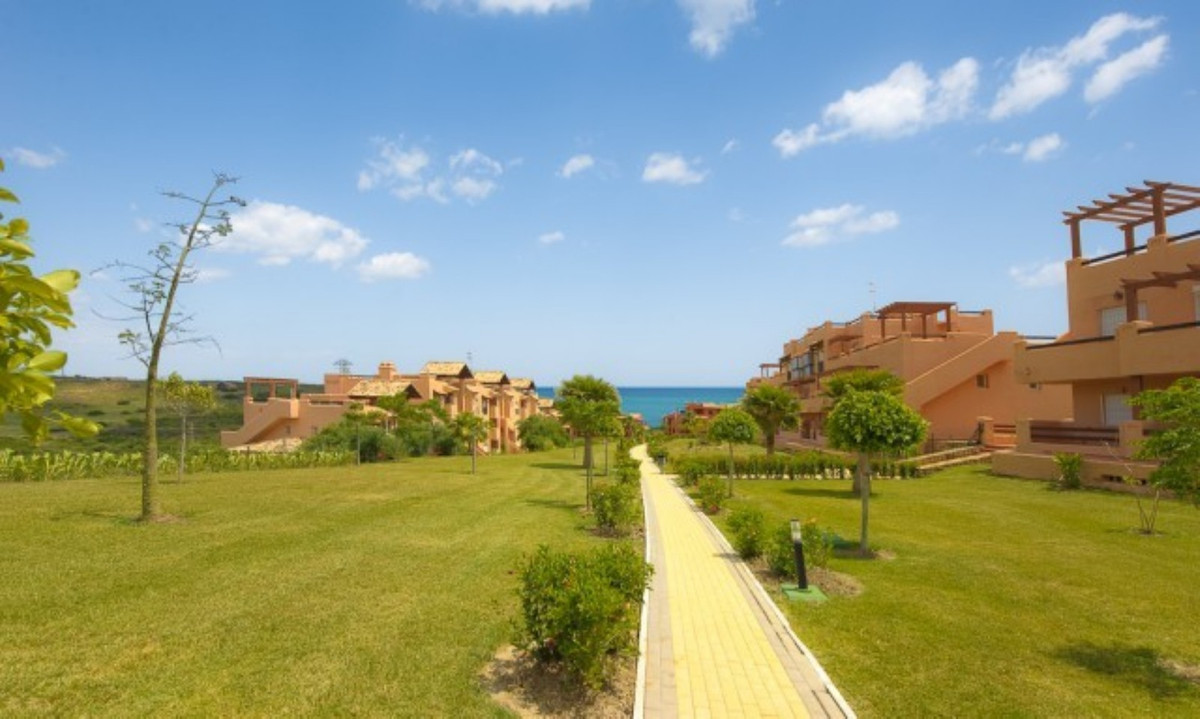 Casares del Sol penthouse apartment in the beautiful grounds of Casares Costa. The apartment has a s,Spain
