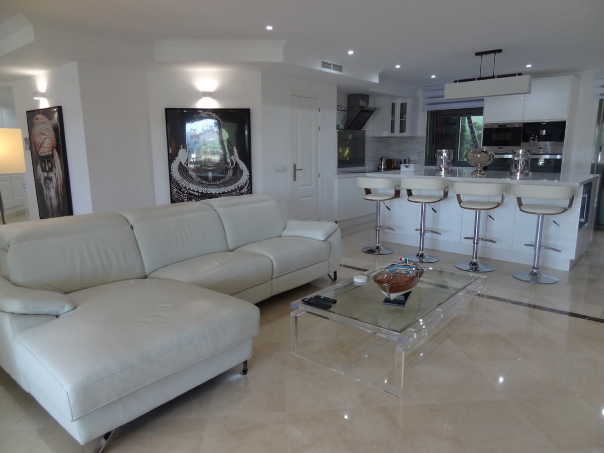 Fully reformed south facing apartment in immaculate condition in Sotogrande Marina.  This property h, Spain