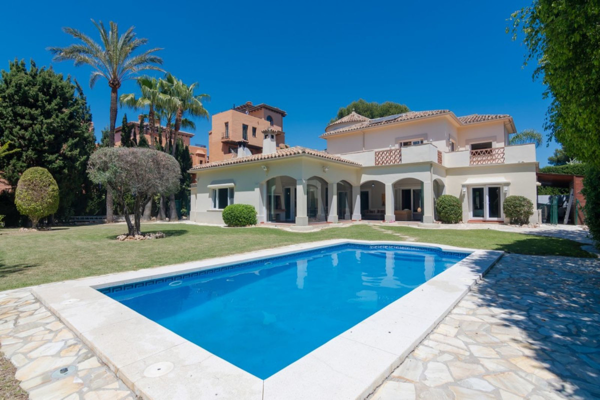 RENTED LONG TERM ALL 2021  Fantastic detached villa on the beach-side of the New Golden Mile, betwee,Spain
