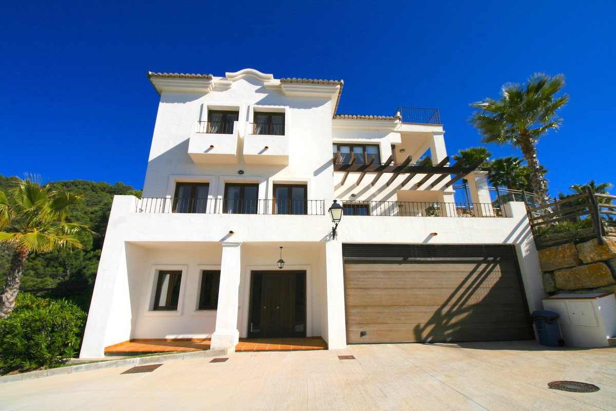 Located in a privileged position with spectacular views across the Mediterrenaen coastline, Benahavi, Spain