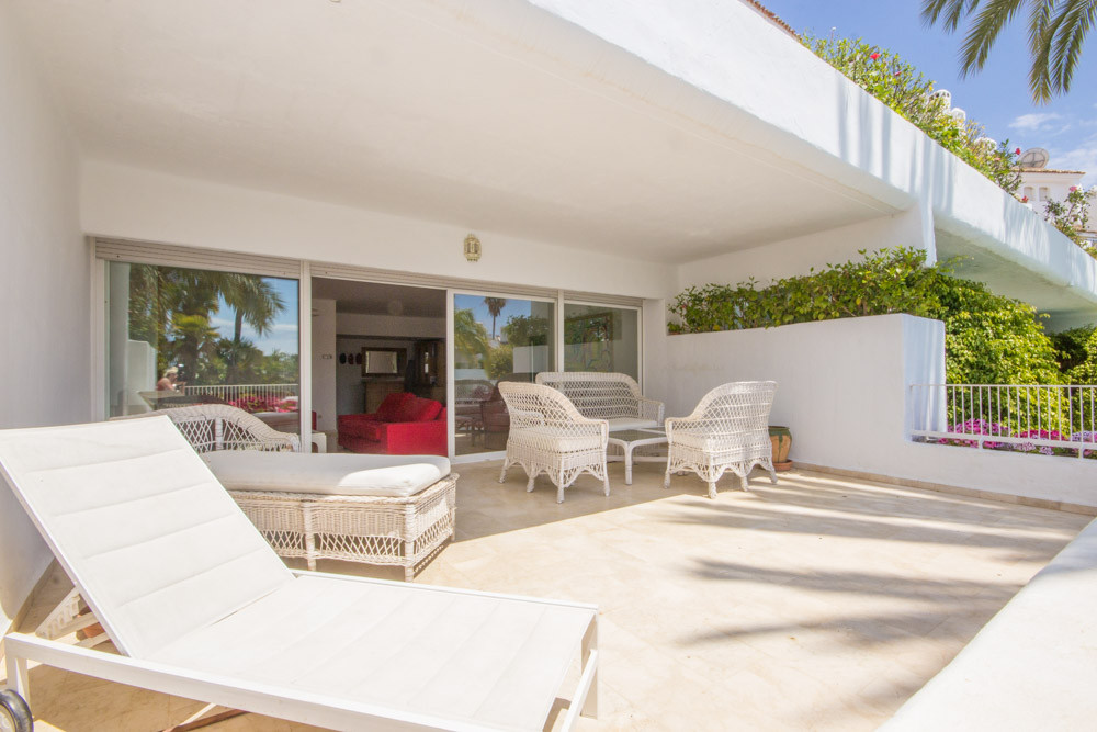 REDUCED FROM €420.000,-  Spacious 2 bedroom Apartment in community Birdie Club in Rio Real. The Apar,Spain
