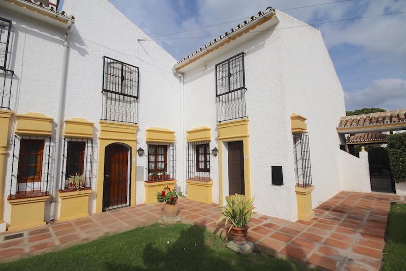 Townhouse - Elviria - R3263803 - mibgroup.es
