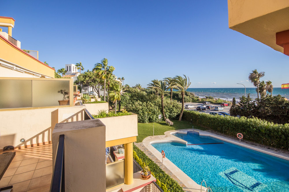 stunning beachfront Studio for sale in Romana Playa, Elviria. This beautiful Apartment has been full, Spain