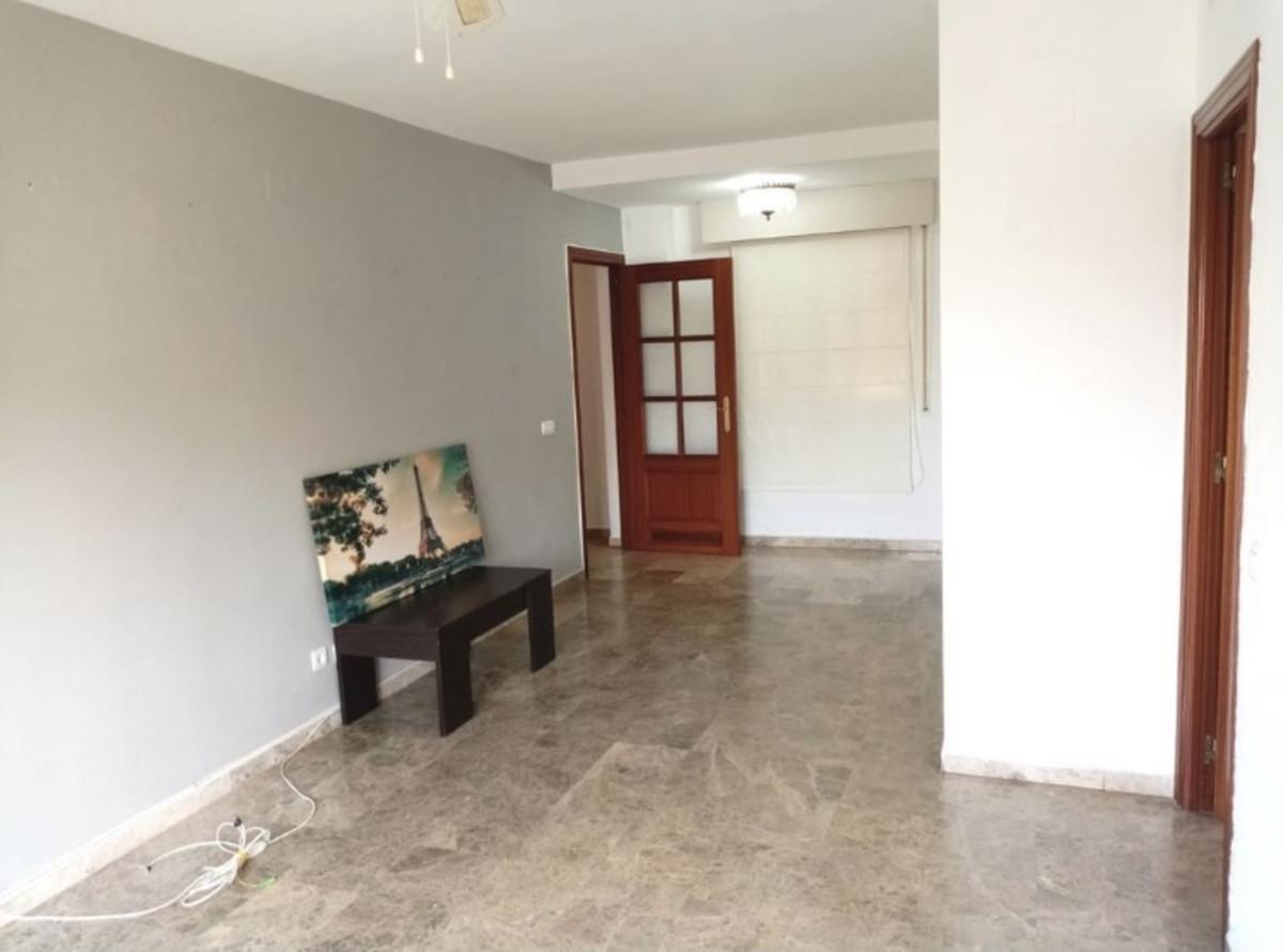 Marbella Banus Apartamento en Venta en Marbella – R3896356