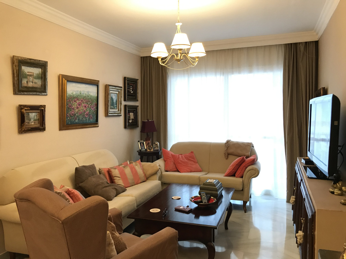Spacious apartment for sale in the center of Marbella, located on Calle de Correos y Hacienda in a g, Spain