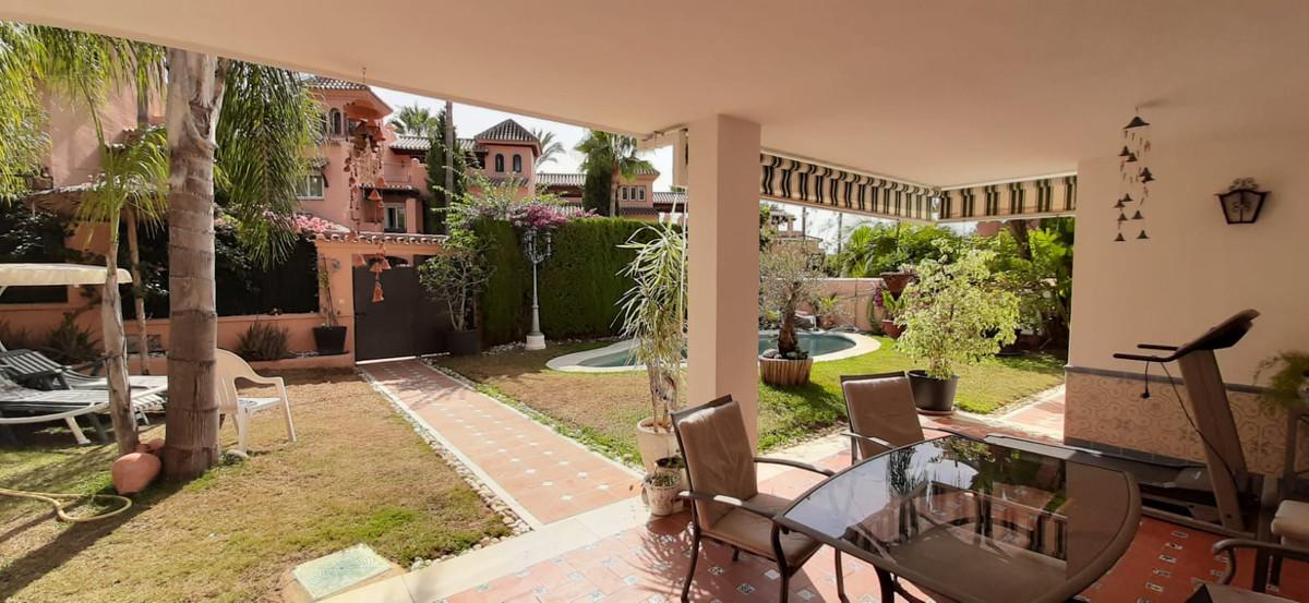 Villa Til salg i Marbella R3792895