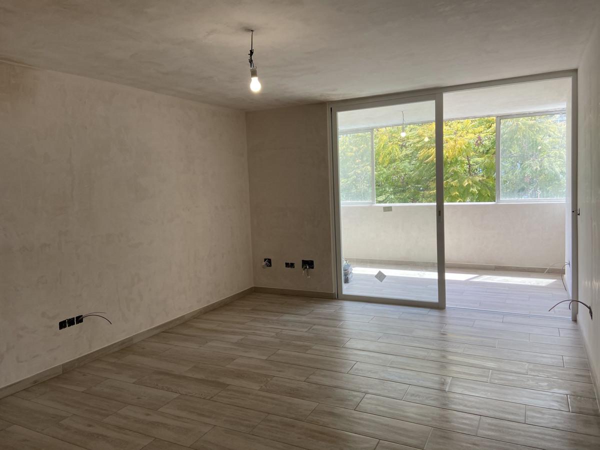 Newly renovated, brand new apartment located in the La Fontanilla area, in Marbella center, beach si,Spain