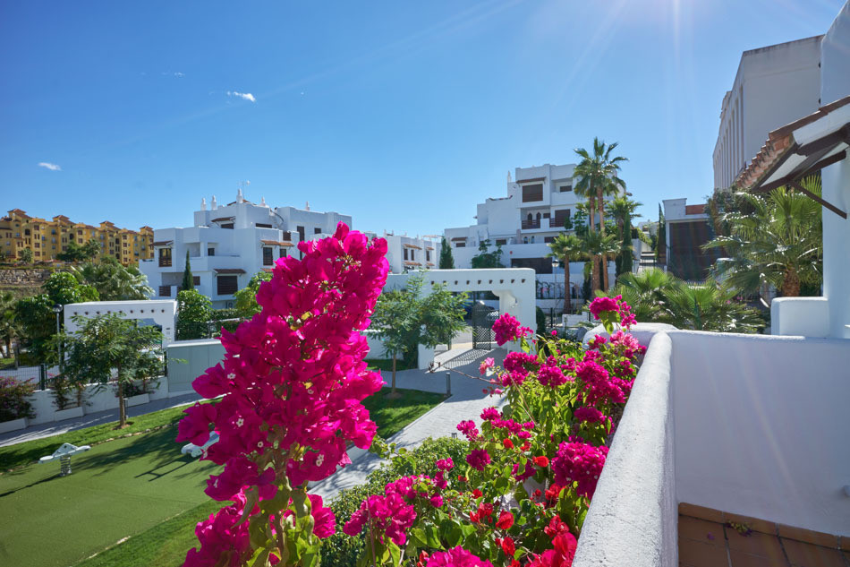 Golf Hills residential brand new apartment in Selwo, near La Resina Golf Course and Selwo Park. Perf, Spain